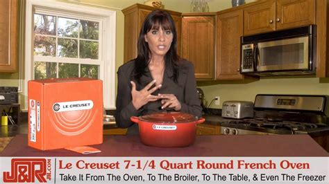 Le Creuset 7-1/4 Quart Round French Oven Covered Red - YouTube
