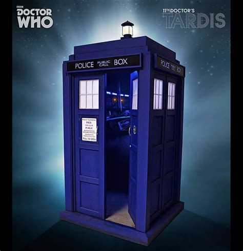 Eleventh Doctor's TARDIS 1/6 Scale Police Box by Big Chief
