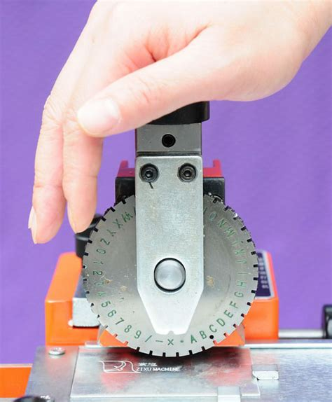 Metal Manual Number and Letter Punch Machine-in Wood